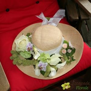 Chapeau fleuri pour mariage