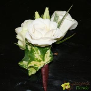 Boutonnière en blanc et vert