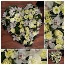 Coeur d' orchidées blanches (Coussin) escapadfe florale